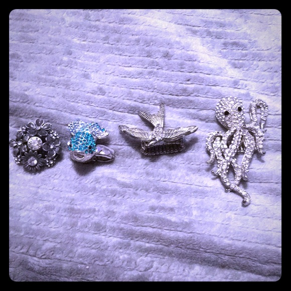 Jewelry - 4 Stretchy rings